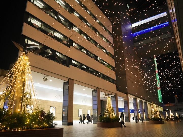 横浜駅東口 星降るテラス