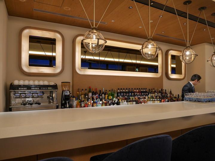 レストラン&バー「ラーボード」