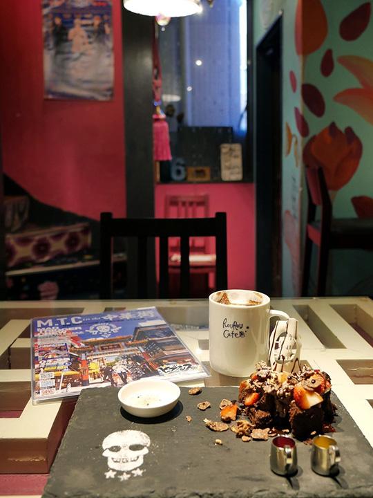 ロウロウカフェ
