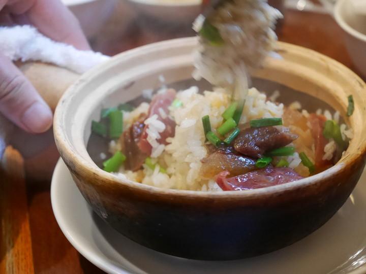 腸詰干し肉貝柱釜飯(1680円)