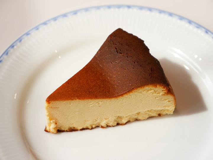 横浜 山下町 レザンジュベイ バスク風チーズケーキ