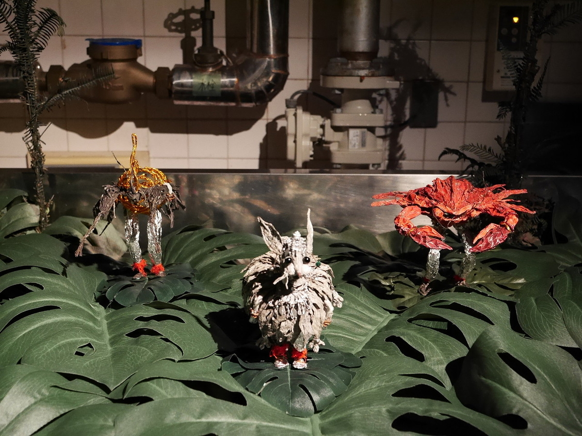 ヨコハマトリエンナーレ2020展示風景より ジャン・シュウ・ジャン《動物故事》2019-2020