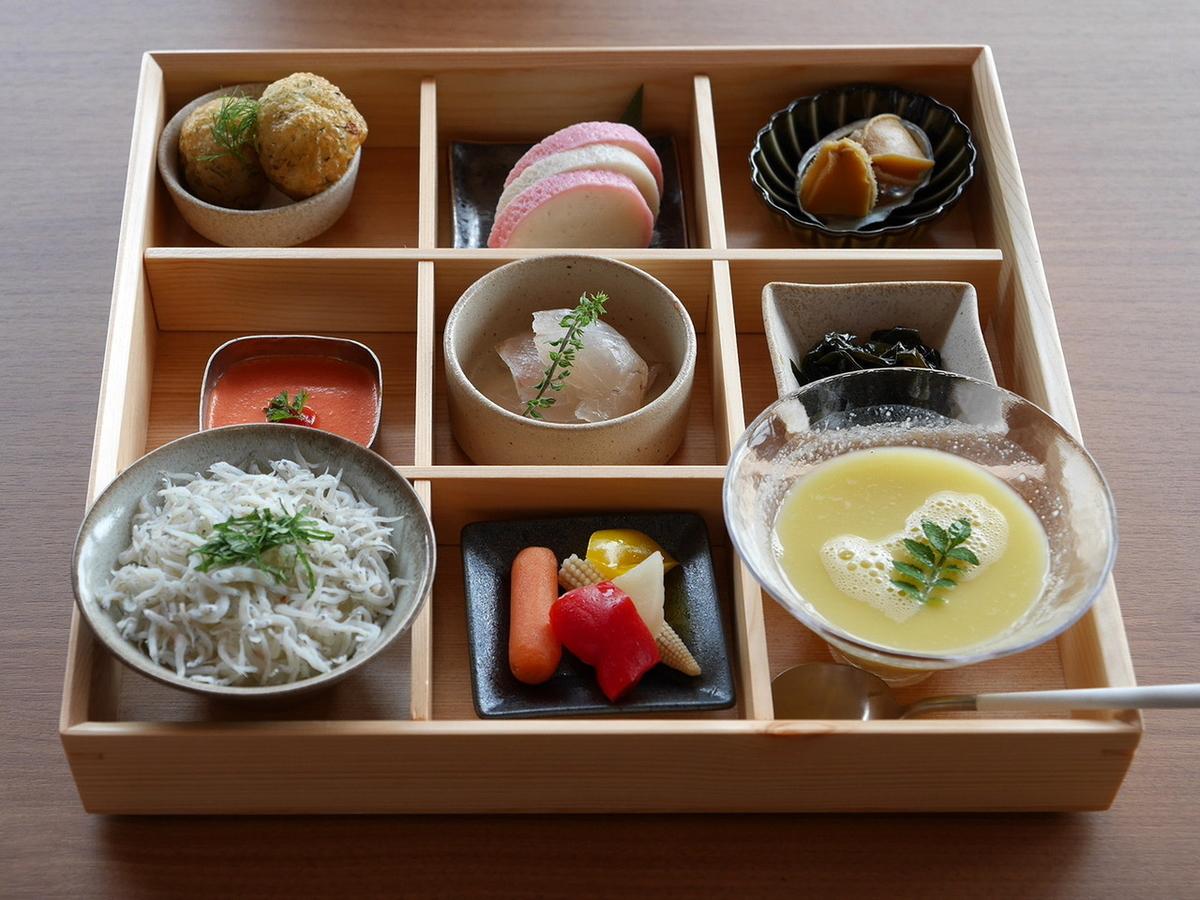 【海】の松花堂弁当(1800円税別)