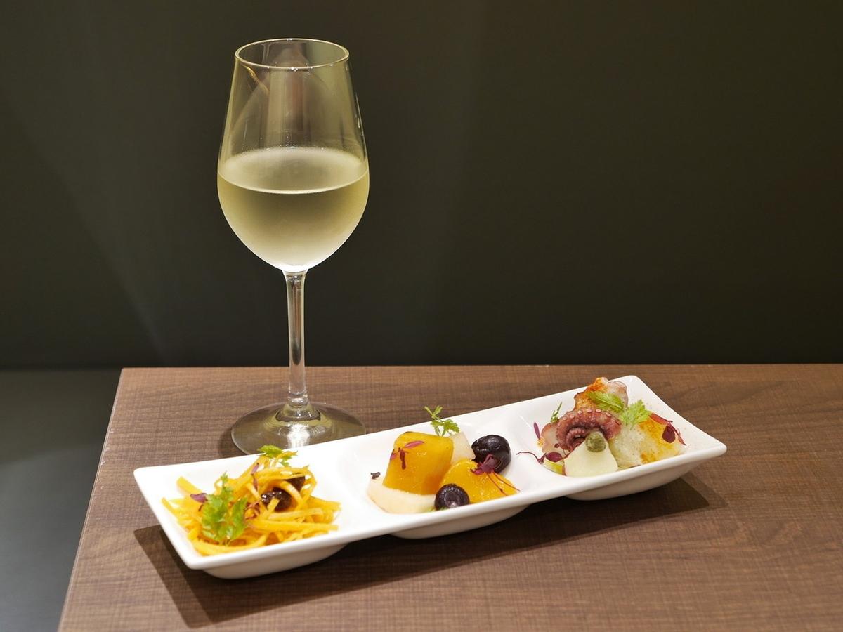 ピンチョスとワイン