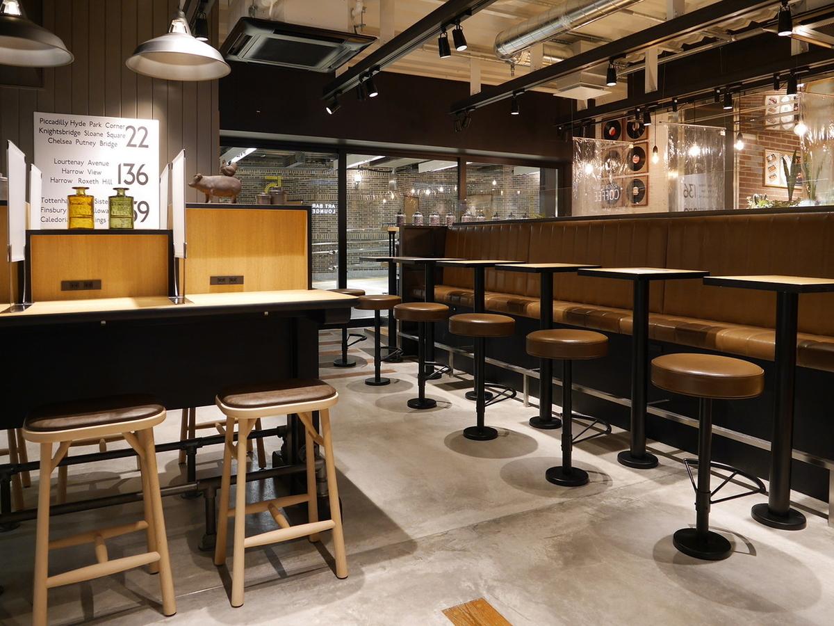 5 CROSSTIES COFFEE エキュートエディション横浜店 内観