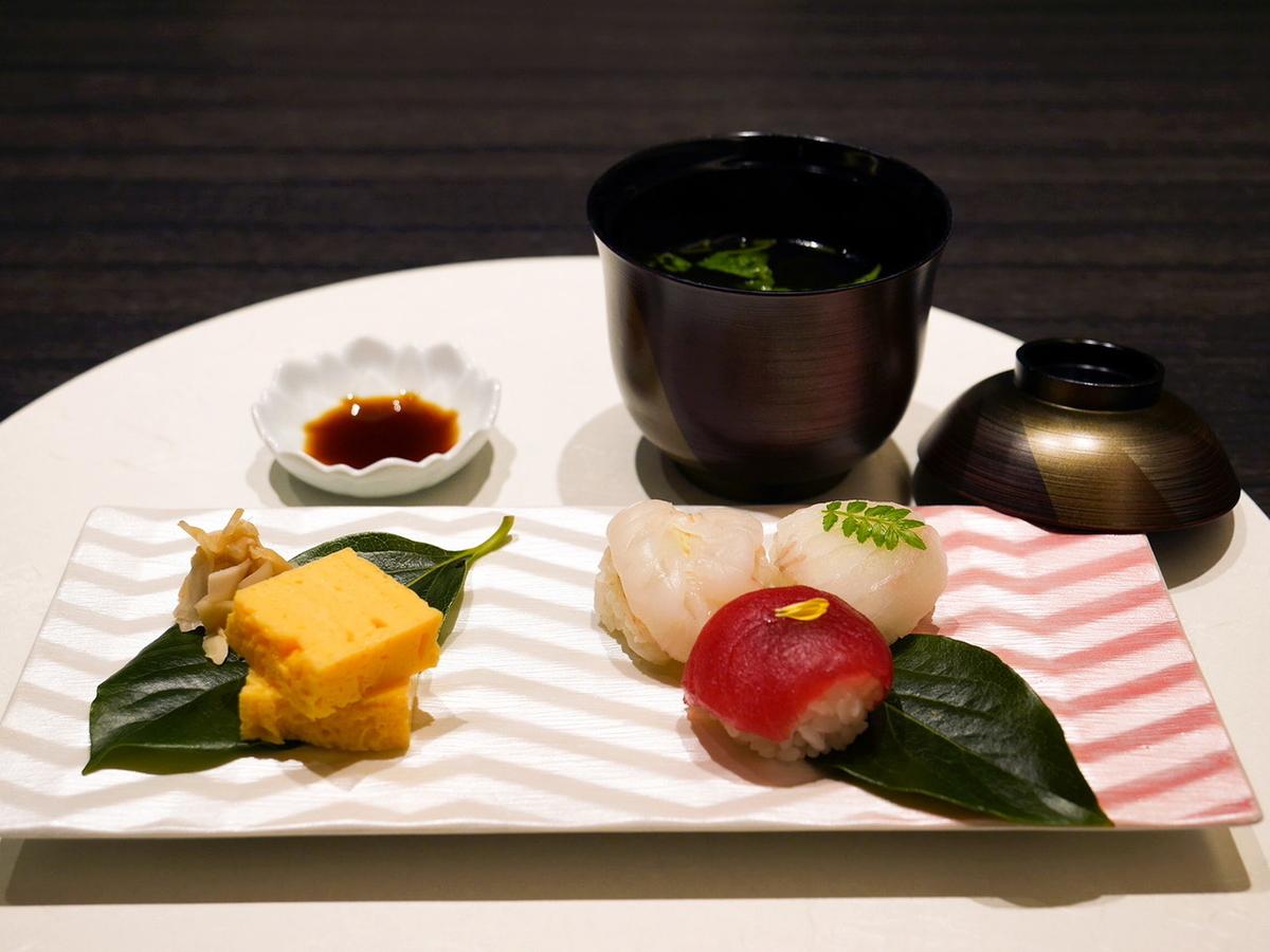 手毬寿司、けんちん汁