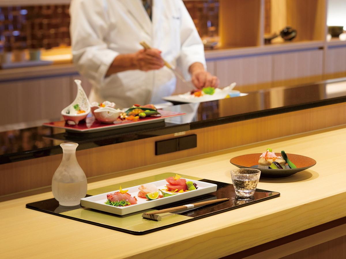 仕事帰りにちょっと1杯、日本酒やワイン、おつまみを楽しめる空間(画像提供:新横浜グレイスホテル)