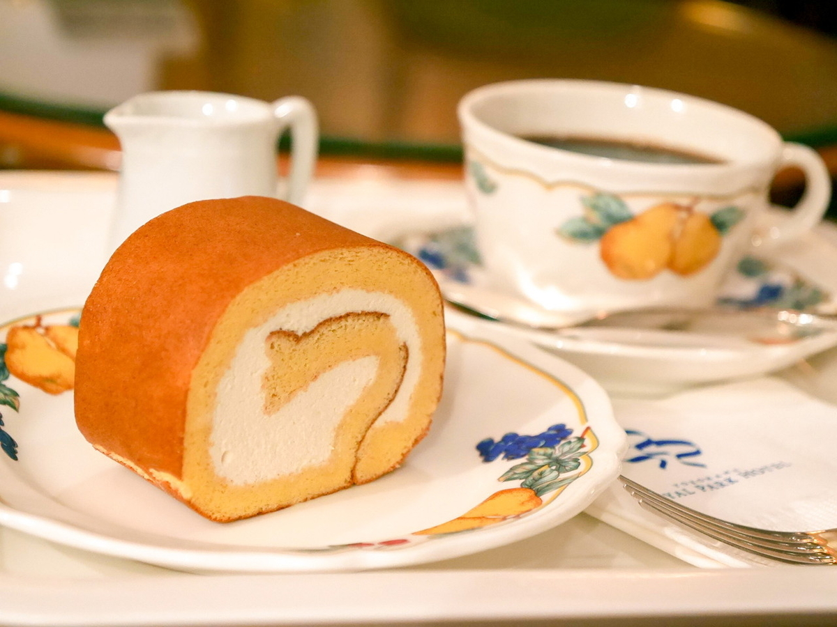 Yokohama Royal Park Hotel / 極 和三盆ロールケーキ