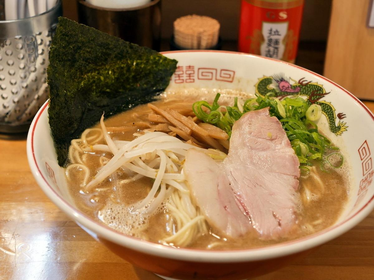 らぁめん(細麺)830円+麺大盛り(100円)