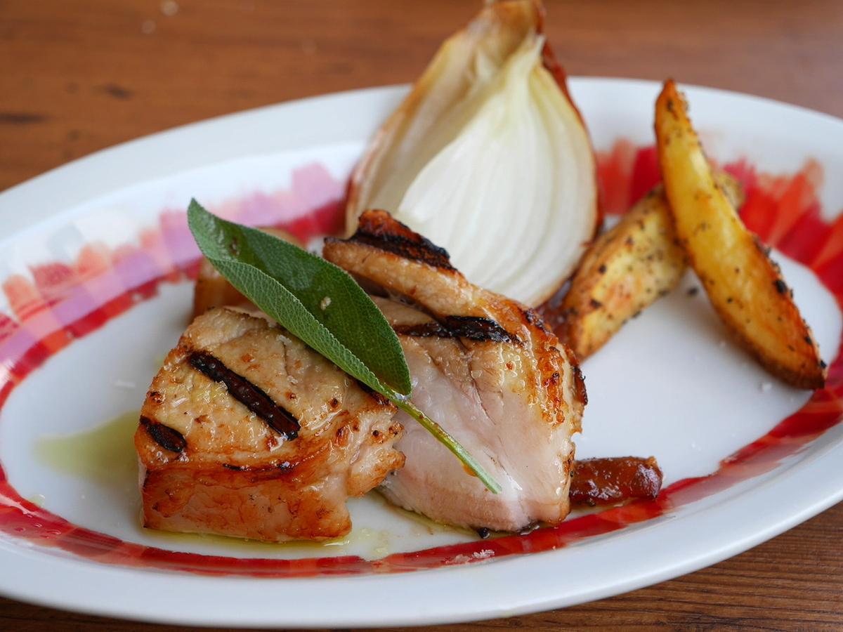 フランス産ホロホロ鶏モモ肉のロースト