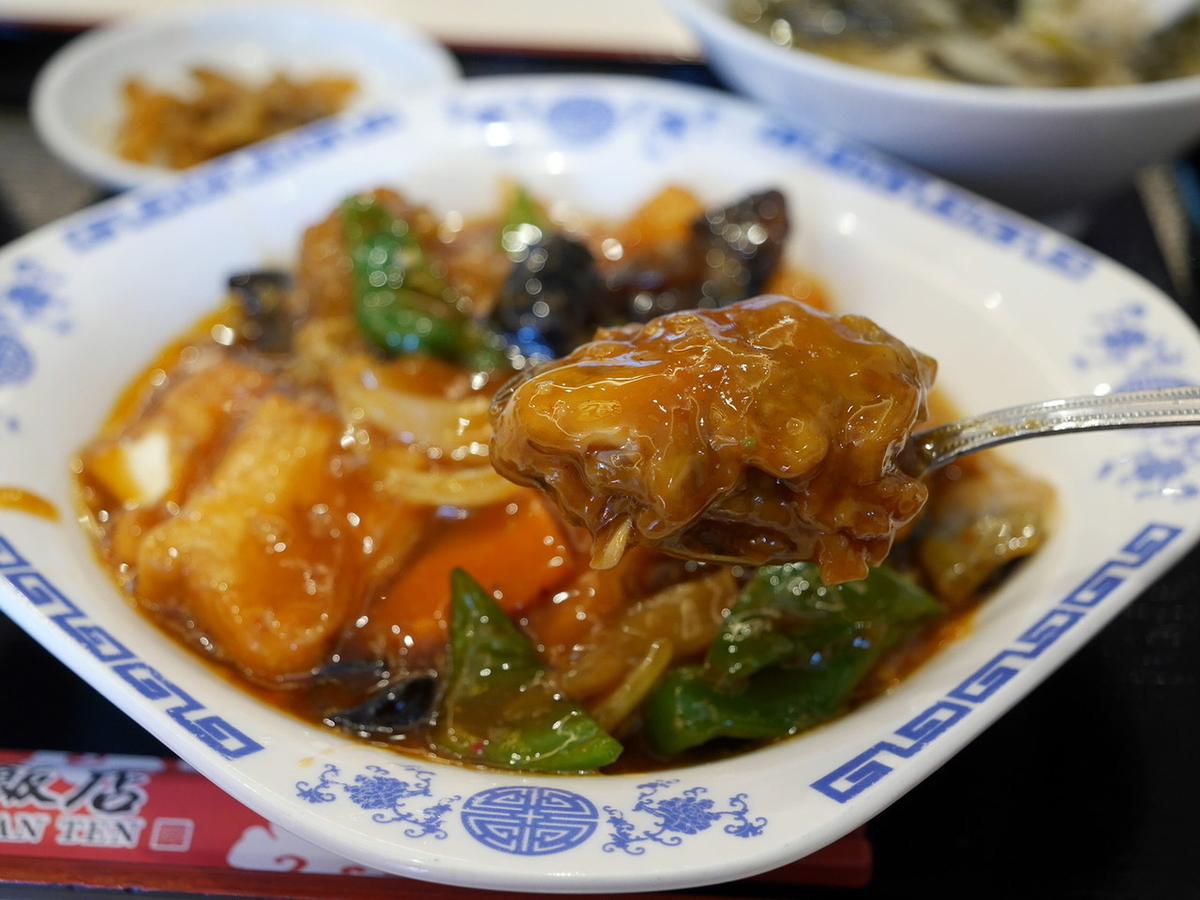 華錦飯店(かきんはんてん)ランチ 広島産カキと豆腐の煮込み