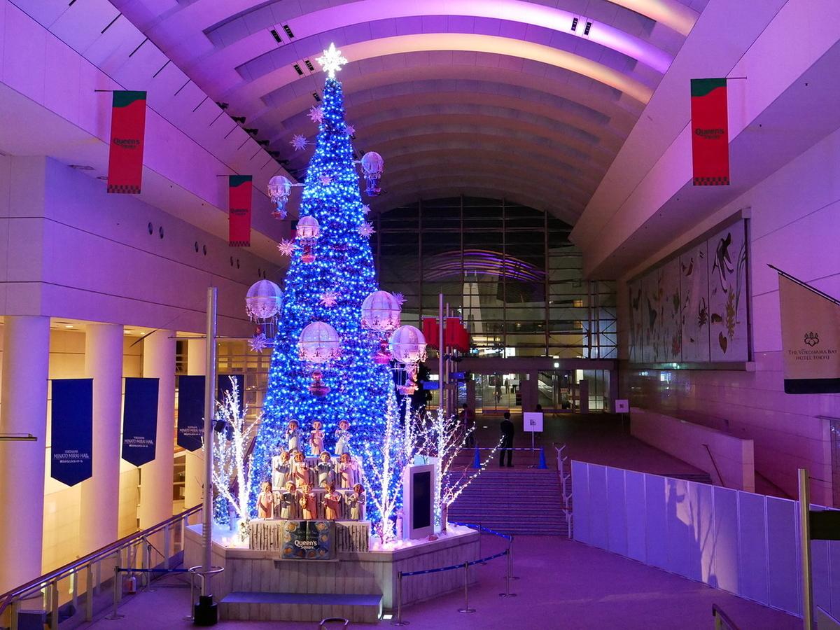 クイーンズスクエア横浜「One World Tree~世界は夜空でつながってる~」