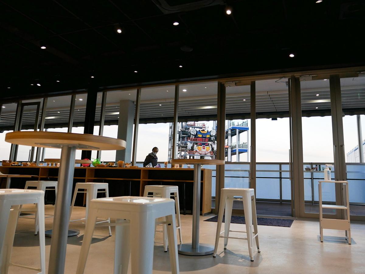 GUNDAM Cafe YOKOHAMA Satellite(ガンダム カフェ ヨコハマ サテライト)」店内