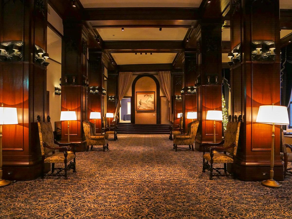 ホテルニューグランド 本館ロビー