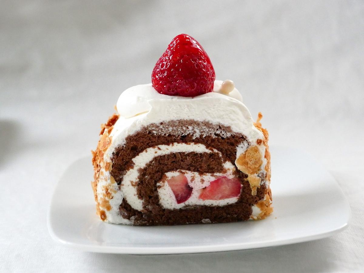 あまおうロールケーキ