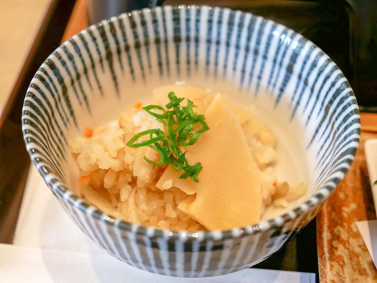 TSUBAKI食堂 18区丼 たけのこの釜めし丼