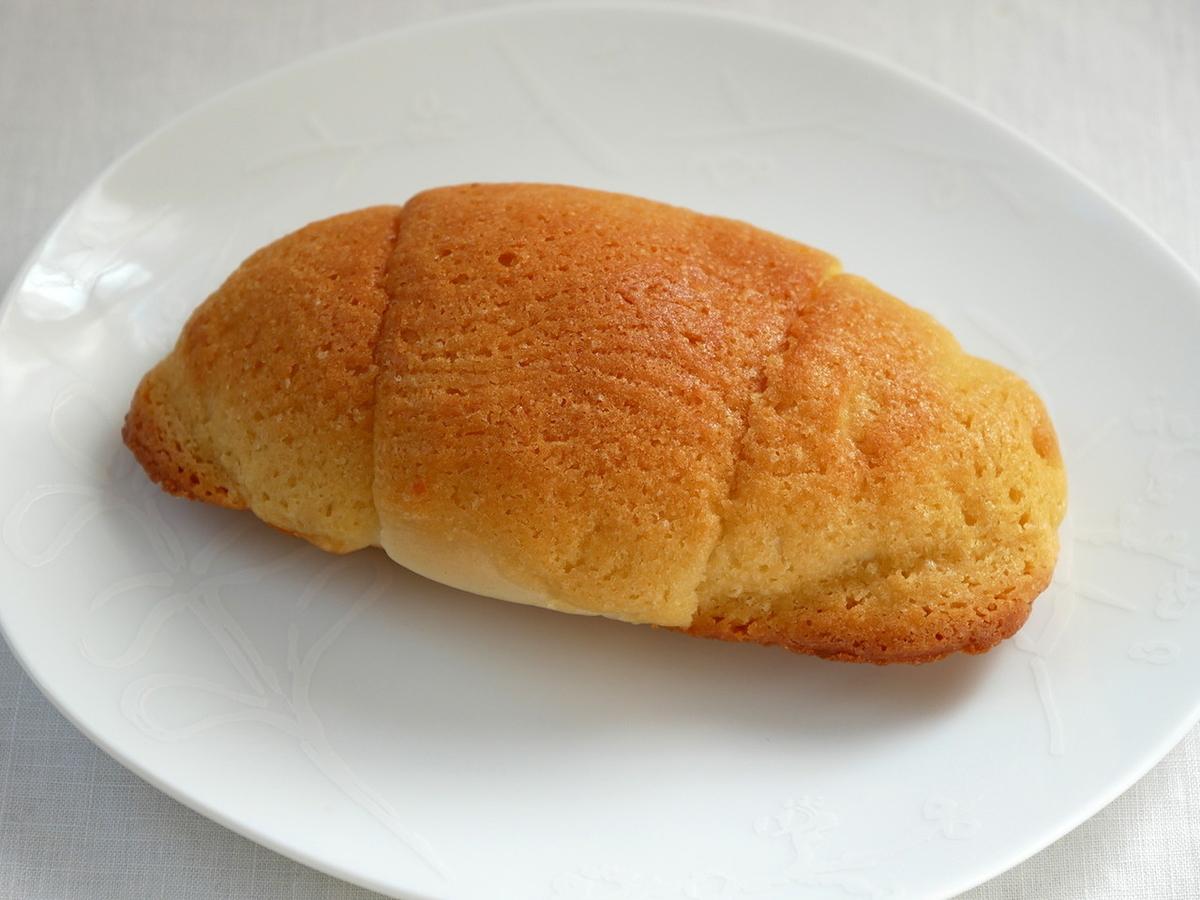 塩バターメロンパン(198円)