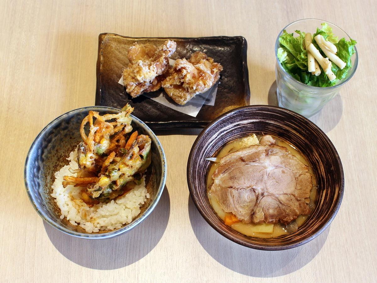 戸塚ぶっちぎり丼(1500円)