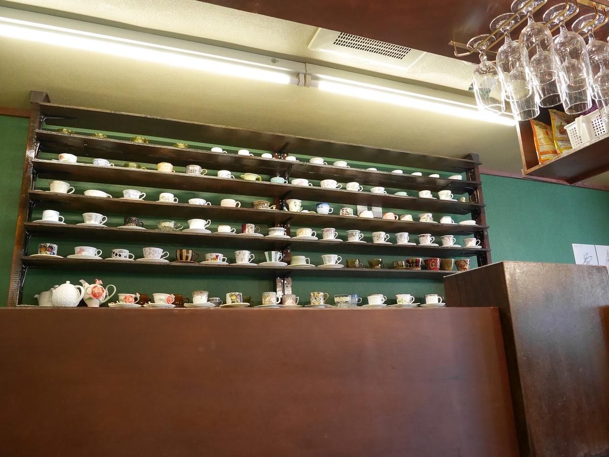 喫茶アンバー 器コレクション