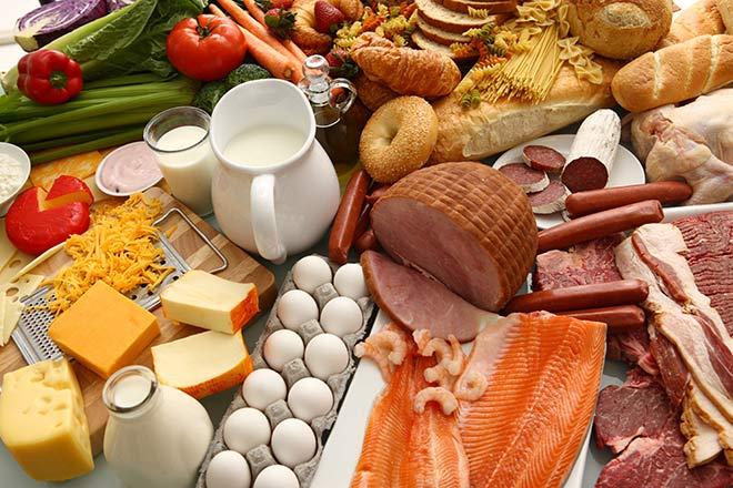 Chế độ dinh dưỡng cho trẻ suy dinh dưỡng cần nhiều protein và chất béo