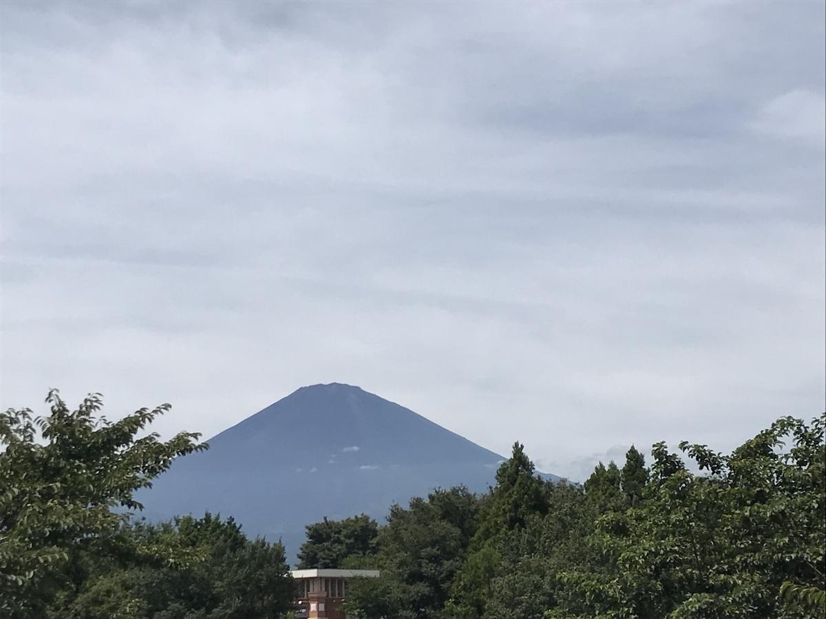 御殿場アウトレットからの富士山