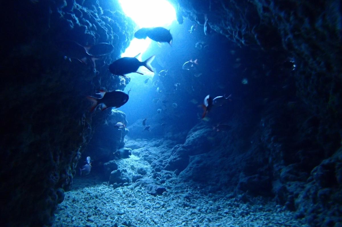 青の洞窟・出口②