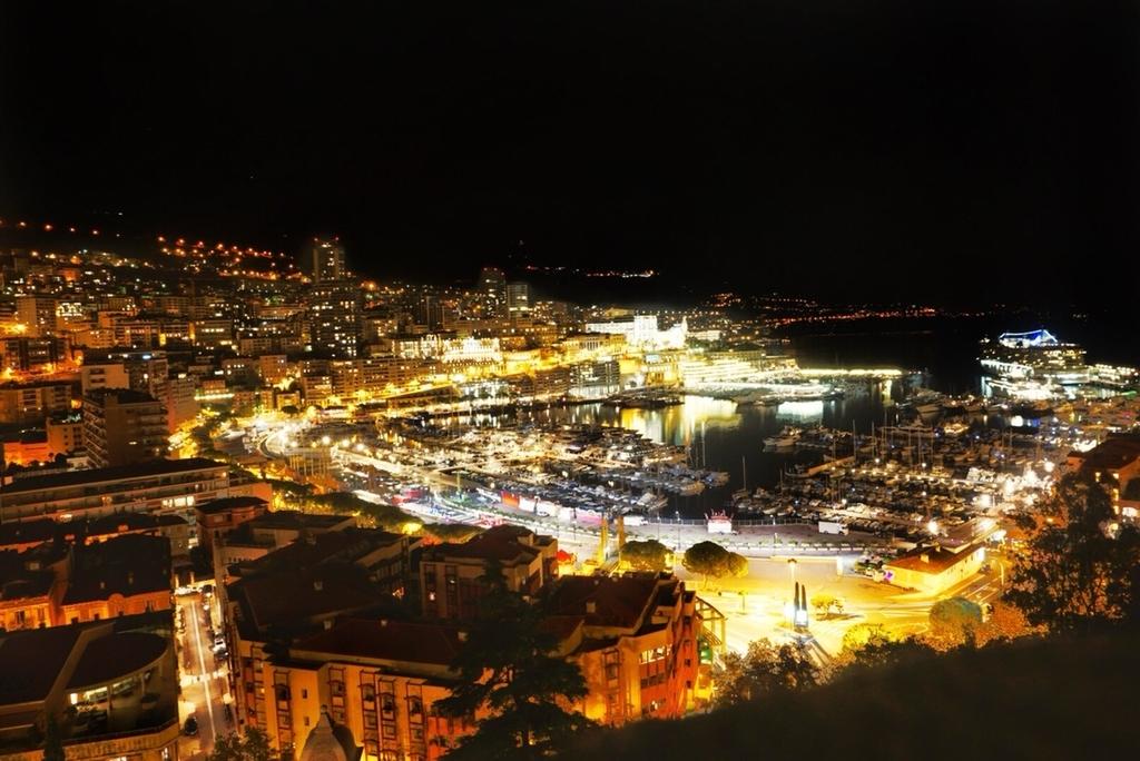 モナコ 夜景