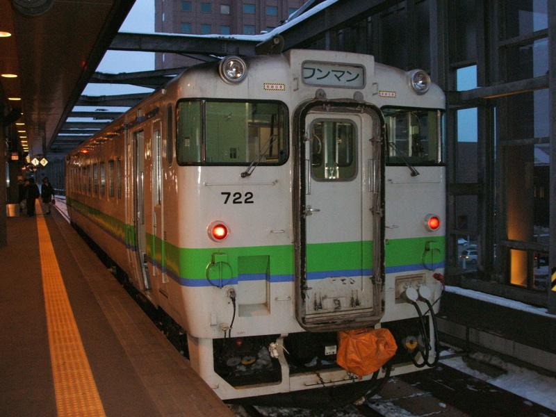 北海道のローカル輸送を支えるキハ40。帯広駅にて