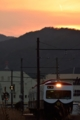 [鉄道][夕景]夕焼けパトカー電車