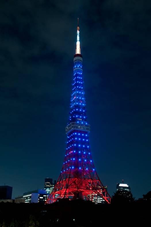 世界自閉症啓発デー 東京タワーブルーライトアップ