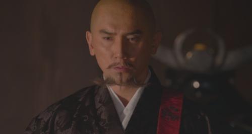 家督を譲る斎藤高政に従うことを国人衆に約束させる斎藤道三