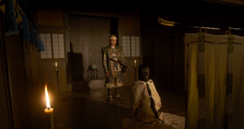 織田信長を裏切り朝倉義景につくことを妻・お市に告げる浅井長政