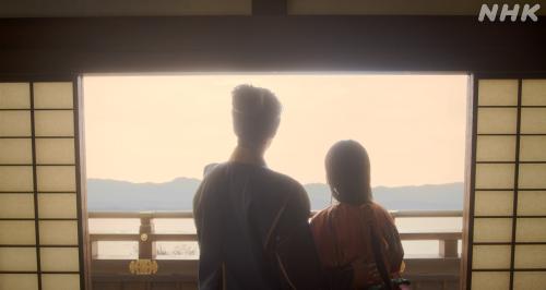 坂本城の天守閣でデートをする明智十兵衛光秀と妻・煕子