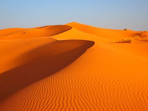 オレンジ色の砂漠