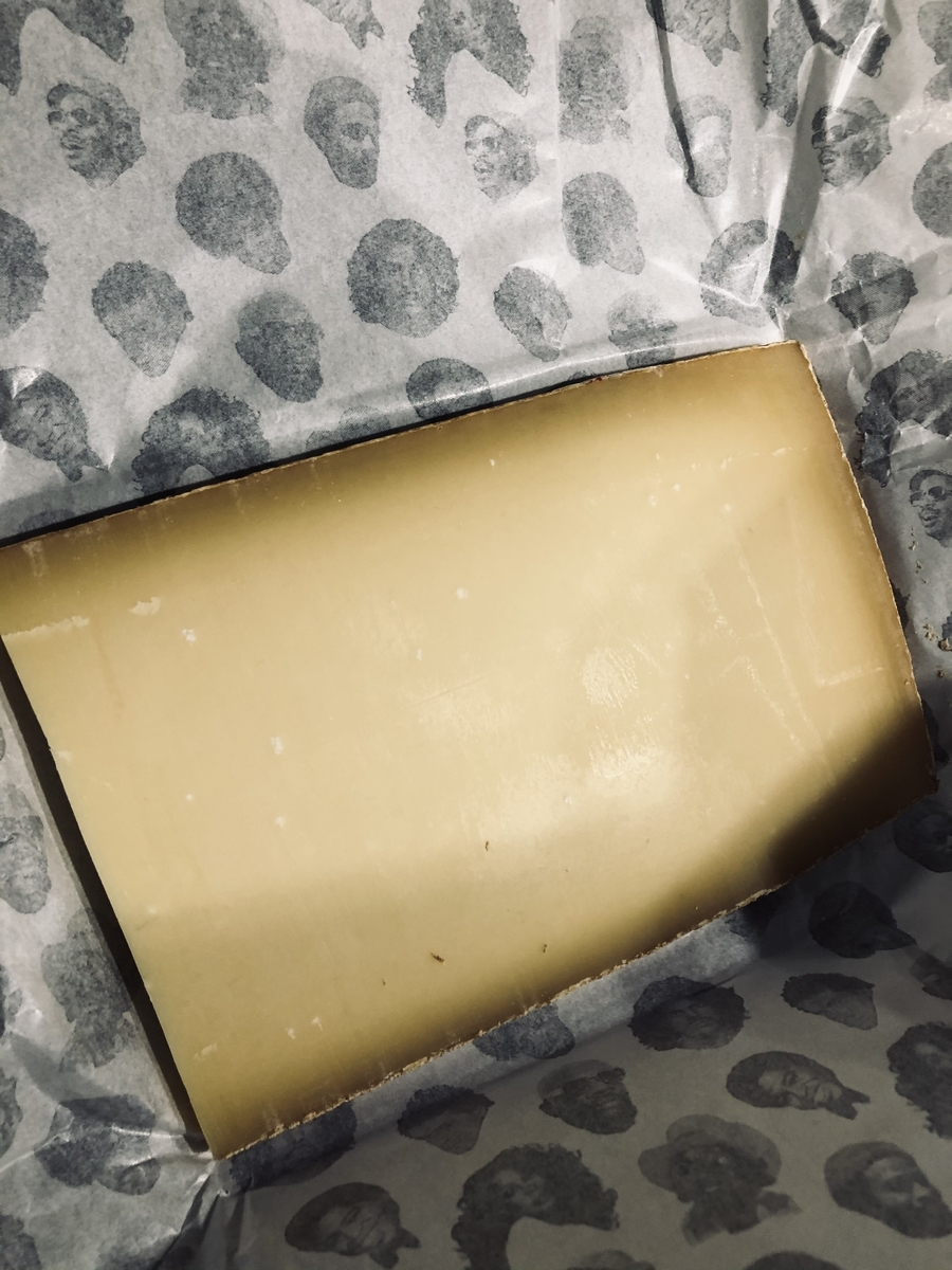 チーズ グリュイエール Gruyere