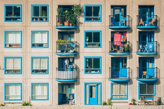 マンションの1階に住むことのメリットとデメリット