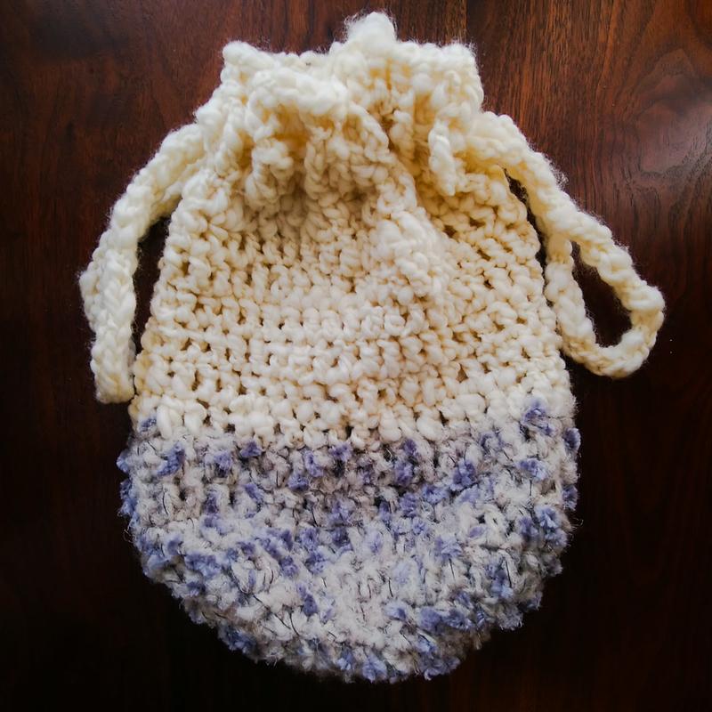 実際に編んだ巾着バッグの画像