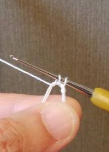 輪の作り目の方法4、こま編みのための目を引き出す