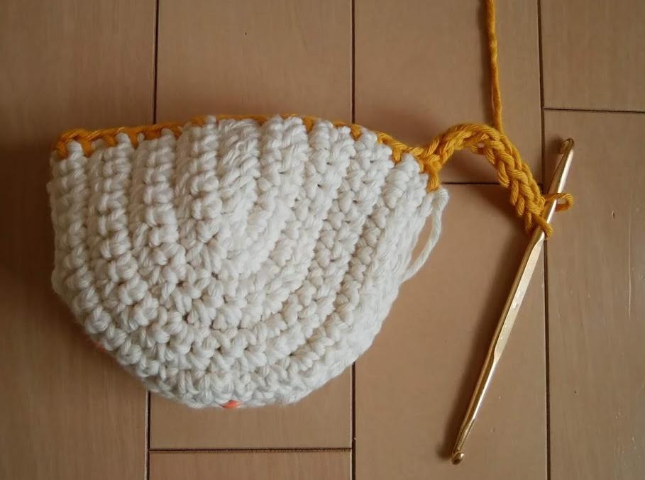 縁編みに続けてひっかける部分を編む