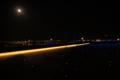 羽田空港第2旅客ターミナル展望台「星屑のステージ」と十六夜の月