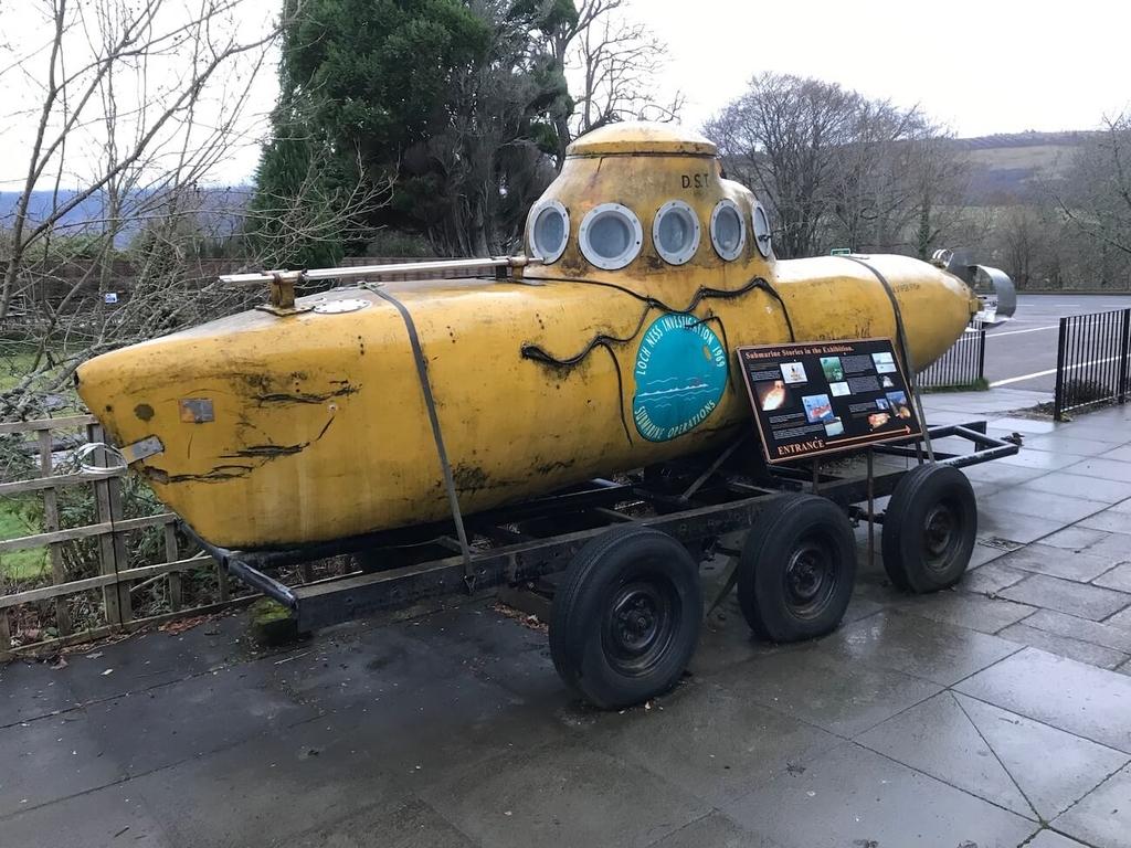 ネッシー探索に使われた潜水艦