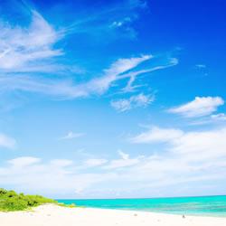 沖縄のユタの修行場、百名ビーチ