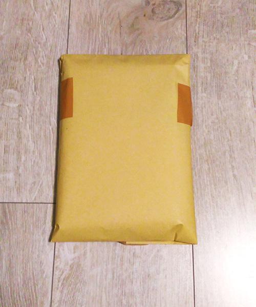 封筒で梱包した本