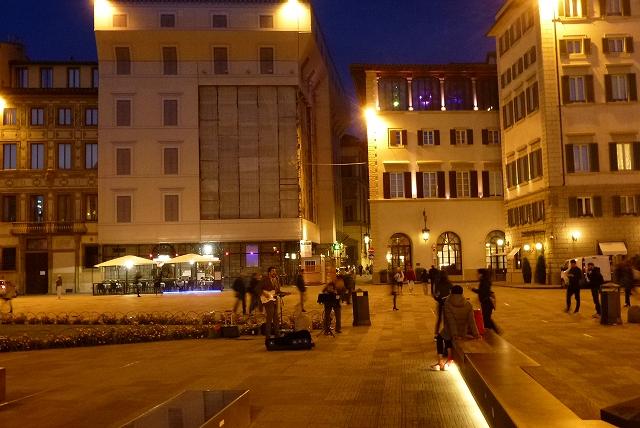 サンタ・マリア・ノヴェッラ教会前広場