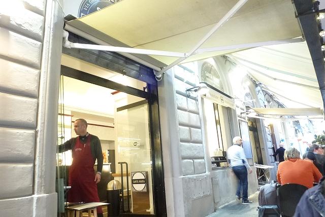 ローマ 夕食 店内