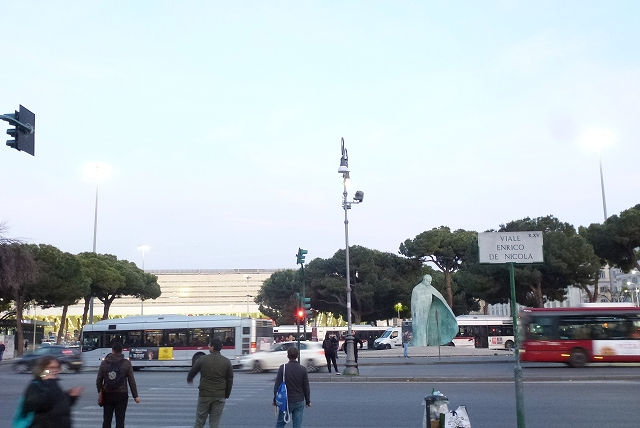 ローマ テルミニ駅前