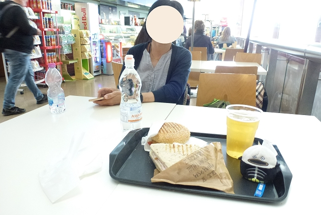 ローマ 昼食 ハンバーガー