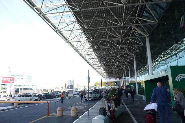ローマ フェウチミーノ空港 ターミナル1
