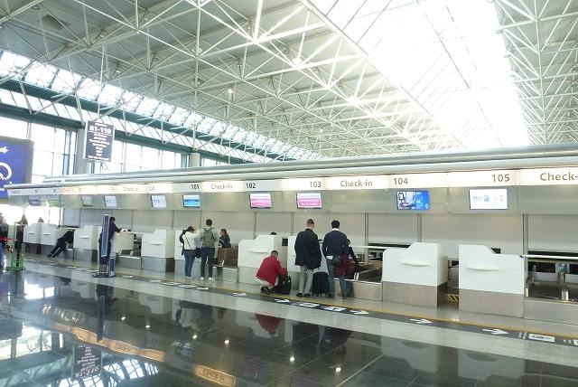 フェウチミーノ空港 ブリュッセル航空 カウンター