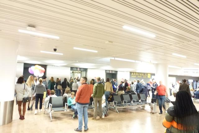 ブリュッセル空港 ARRIVAL